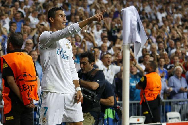 Ronaldo cướp ngôi vị số 1 phạt của Messi đền tại C1