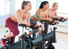 Bạn sử dụng xe đạp vào sáng sớm và chiều tối để nâng cao hiệu quả giảm cân