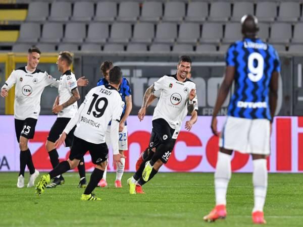 Tin bóng đá TG 22/4: Lukaku bỏ lỡ khó tin, Inter bị cầm hòa