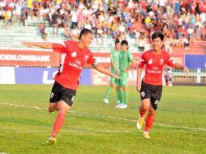Tin bóng đá VN 5/4: CLB Long An leo lên top 2 BXH