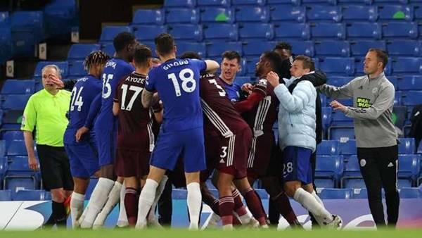 Thể thao 21/5: Cầu thủ 'choảng' nhau, Chelsea và Leicester bị phạt