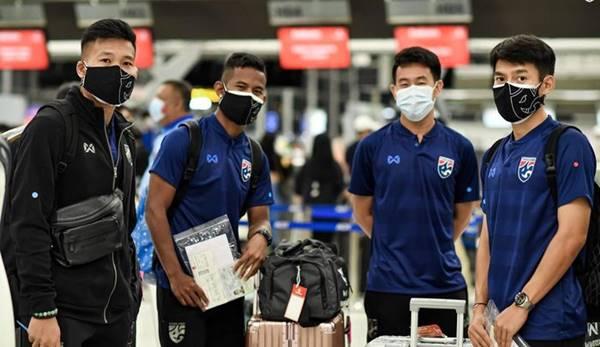 Tuyển Thái Lan mang 39 cầu thủ đến UAE