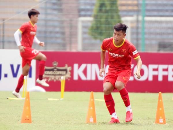 Tin bóng đá VN 19/5: Hữu Thắng bị loại khỏi U22 Việt Nam