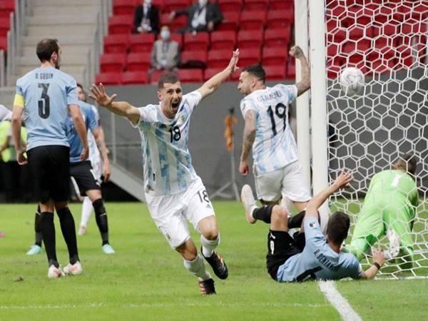 Argentina vào tứ kết sau khi đánh bại Paraguay