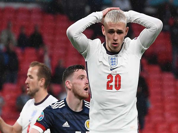 Tin thể thao trưa 25/6: Neville gạch tên Foden khỏi trận gặp Đức