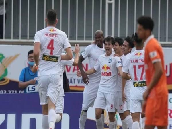 Bóng đá VN 24/6: HAGL, SLNA phản đối V-League tập trung ở phía Bắc