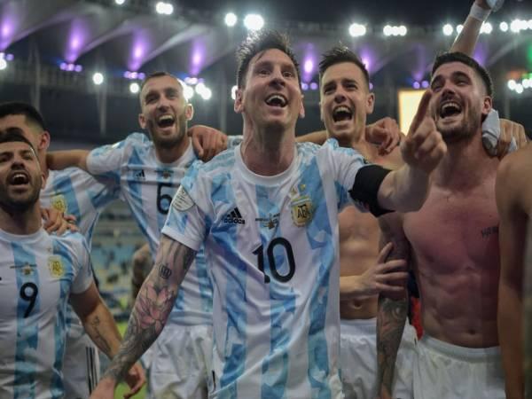 Tổng hợp bóng đá 13/7: Messi ngăn đồng đội hát chế nhạo Brazil